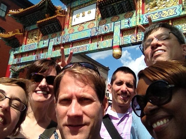 Confluence team goes on a scavenger hunt in DC!